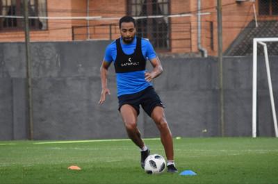 Álvaro Pereira tiene acordado jugar en River Plate