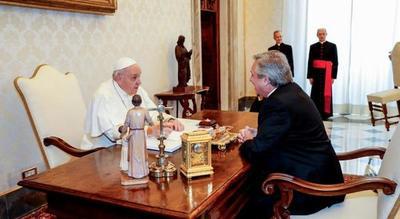 """El papa pidió al presidente argentino que sea """"mensajero de paz"""""""