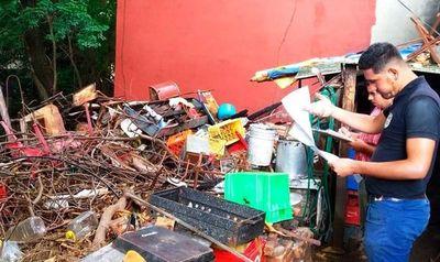 Céntrico copetín intervenido por acumular basuras en su patio •