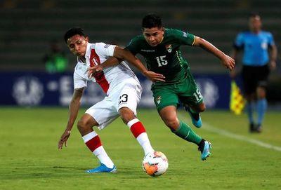 Bolivia derrota a Perú y espera