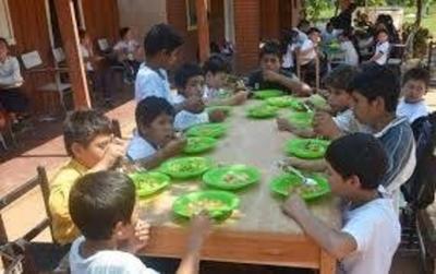 HOY / La fiscalía investiga a once  intendentes que dejaron sin almuerzo a escolares pobres
