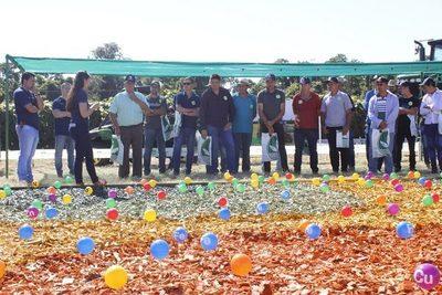 Compañía de insumos agrícolas presenta nuevo departamento