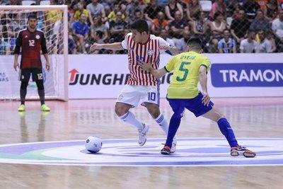 Paraguay cae en el debut ante la selección candidata