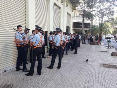 Policías rodean Hacienda