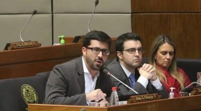 'La política no puede ser una lavandería', dice diputado Villarejo