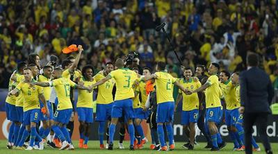Brasil campeón: le ganó 3-1 a Perú con un final manchado nuevamente por el VAR y el árbitro