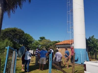 Con aporte de la EBY, comunidad mejorará sistema de distribución de agua potable