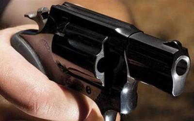Fiscal imputa y pide prisión para madre de niño de 9 años que fue detenido con arma de fuego.
