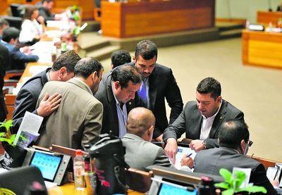 Bancos piden al Parlamento agregar un párrafo a ley de financiamiento político
