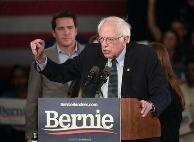 Sanders dice que lidera carrera a la Casa Blanca tras fiasco de primarias en Iowa