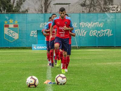 Cerro va con cambios ante Universitario