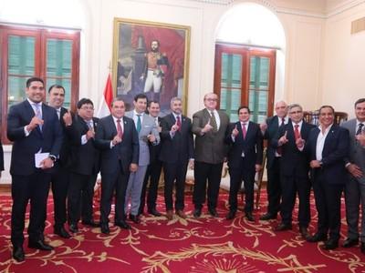 Gobernadores colorados solicitan a Mario Abdo un encuentro con HC para unidad y consenso en la ANR