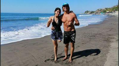Paraguaya con prótesis cumplió su sueño de surfear