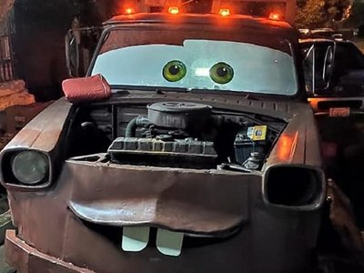 Transformó una camioneta en Mate para el cumpleaños de su hijo