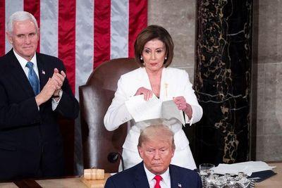 Pelosi rompió el discurso de Trump ante el Congreso