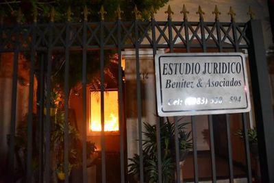 Incendio en lujosa vivienda del barrio Nazareth