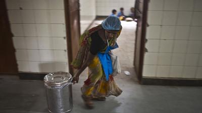 India: niña de 3 años muere al caer dentro de una olla donde se cocinaban alimentos