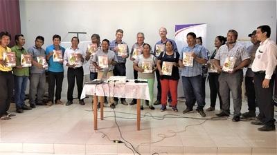 Ascim y Atlas lanzan libros didácticos en idioma Enlhet y Nivaclé para el Chaco