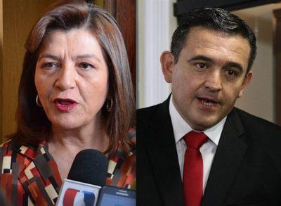 Senadora trata de falaz y vende humo a Petta
