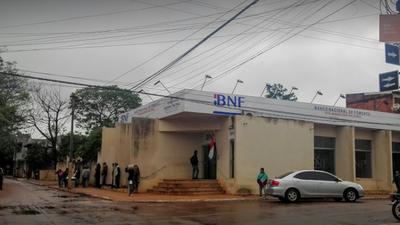 Banco Nacional de Fomento de Caaguazú ofrece pésimo servicio