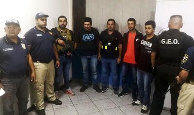 Migraciones expulsó del país a líder e integrantes de una facción criminal brasileña