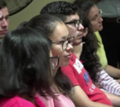 Itaipú y Becal preparan becas universitaria a 2.000 jóvenes