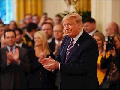 """Trump celebra en la Casa Blanca el fin del impeachment: """"Fue un infierno"""""""