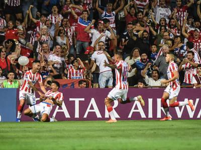 Unión golpea fuerte en la ida ante Mineiro