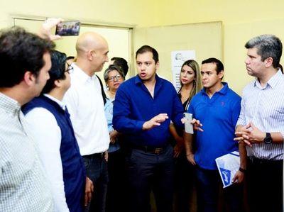 Prieto se rehusa a hablar sobre los cambios en la Dirección Jurídica