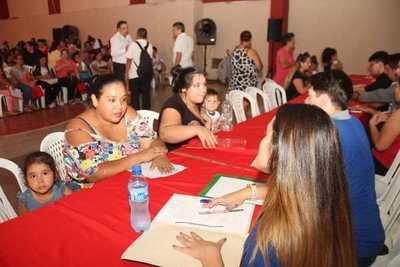 """Feria de empleo de la ANR: """"Aquí se respira oportunidad; esto significa confianza"""""""