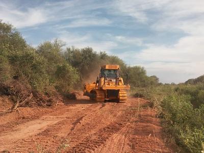 Realizan limpieza para alambrado del tramo Virgen de Fátima- General Díaz, en el Chaco