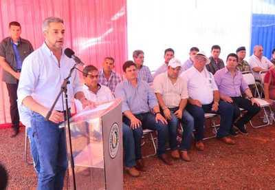 Mandatario destaca obras y pide administrar sanamente las competencias electorales
