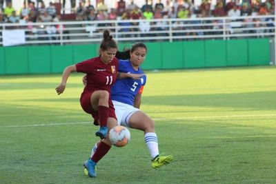 Paraguay cae en su primer juego