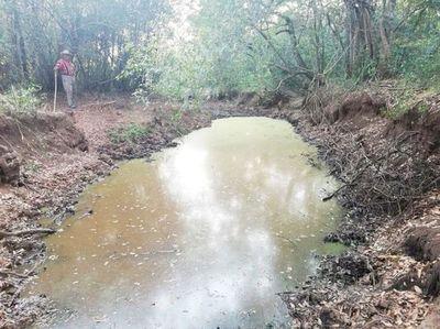 Urgen recuperar cauce natural de un arroyo