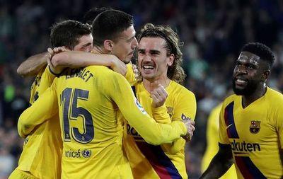 El Barcelona, sin brillantez, se redime