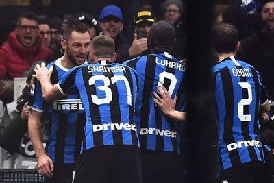 Inter remonta y lidera con Juventus