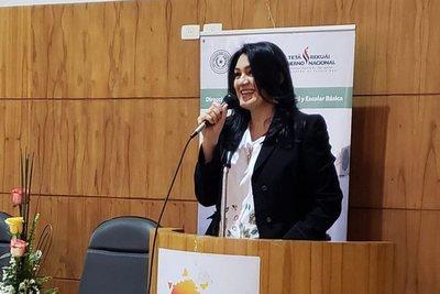 Para Nancy Ovelar, no hay voluntad política para transformar la educación