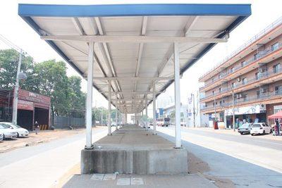 Mota reclama más plata por el fallido Metrobús