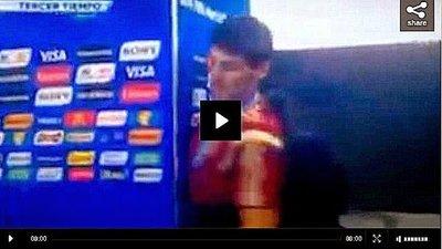 Iker Casillas no vio la pared, mira lo que pasa después (VIDEO)