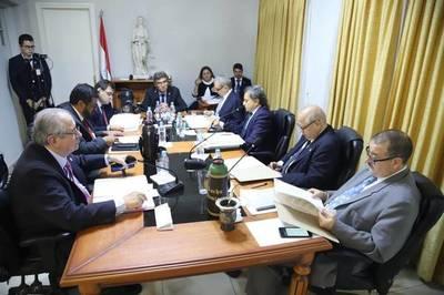 """Doctores en Derecho postulantes a ministro de Corte piden no ser evaluados en """"conocimientos generales"""": temen burlas"""