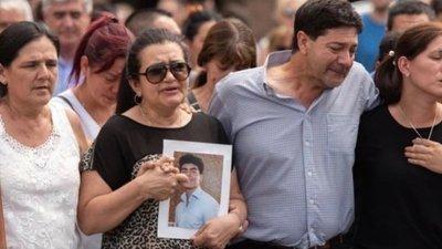 Autopsia evidencia detalles de graves golpes de hijo de paraguayos en Argentina