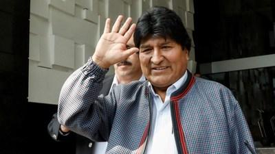 Evo Morales viajó a Cuba para tratamiento médico