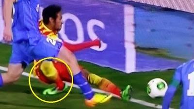 Asi fue la grave lesion de Neymar en el tobillo (VIDEO)