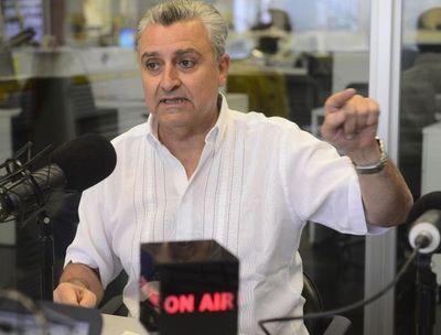"""Villamayor niega haber """"bajado línea"""" sobre ley de financiamiento político"""