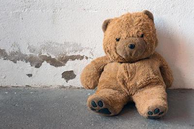 Niña de 2 años murió por neumonía, pero habría sufrido abuso sexual