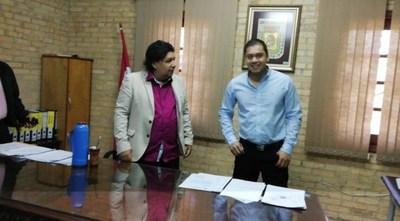 Presentan denuncia penal contra intendente esteño y funcionarios