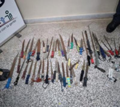 Hallan cuchillos y estoques en penal de Concepción