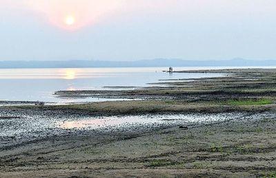 Fernandinos aguardan llegada de ingeniero italiano que buscará revitalizar el Lago Ypacaraí