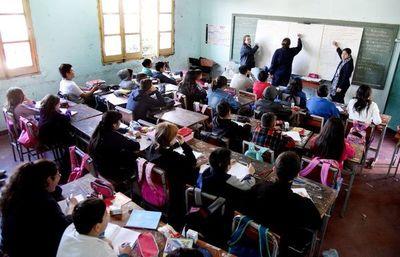 Viceministro niega que organización religiosa cambie proceso educativo