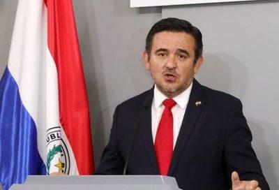 Diputada critica que Petta busque culpables y no asuma responsabilidad sobre libros con errores del MEC